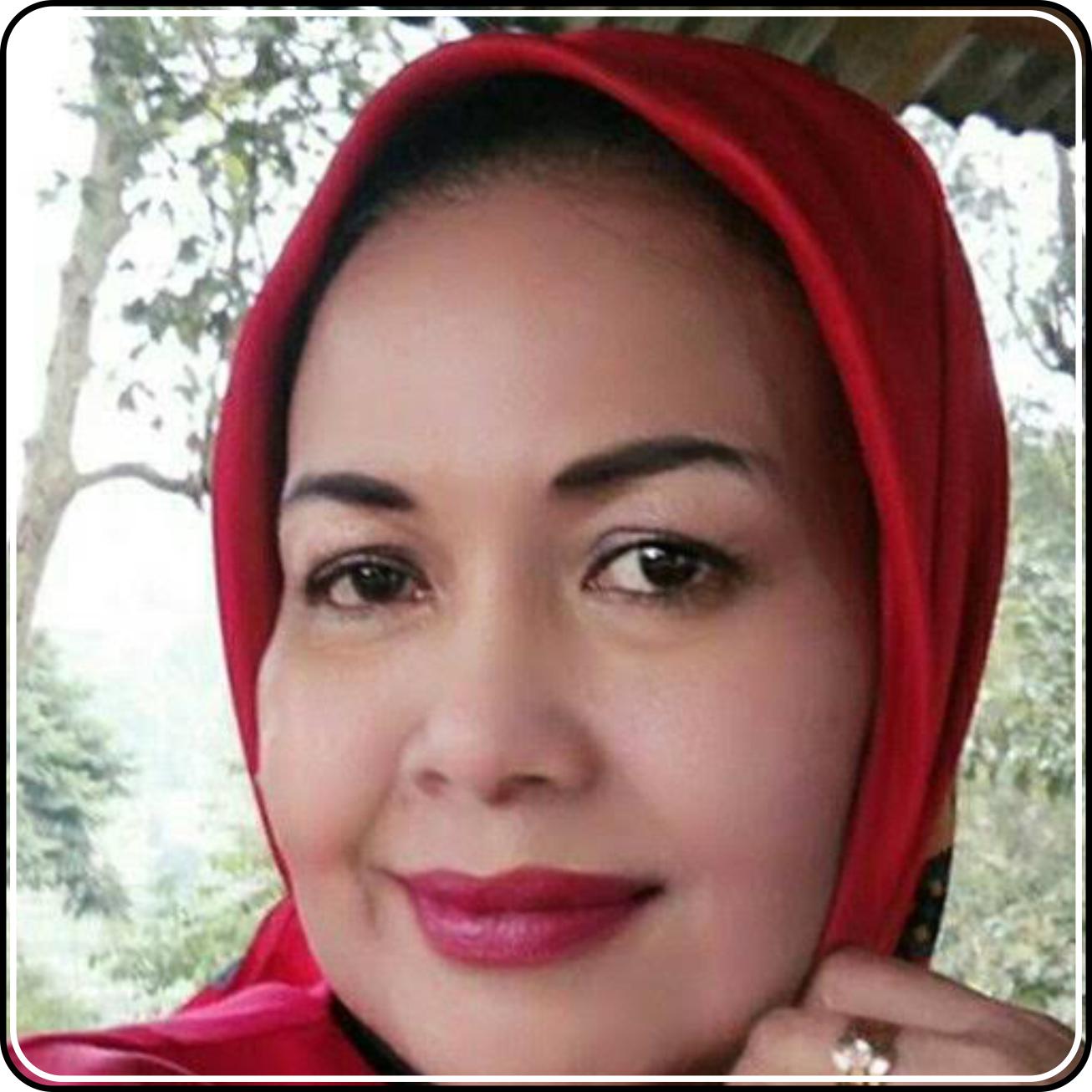 Dr. Dra. Rahmawati Ridwan apt. MS